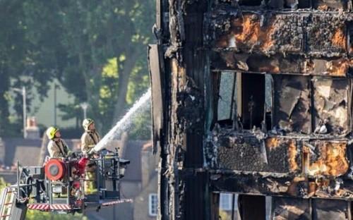 Incendio en Torre de Grenfell: El número de muertos asciende a 30