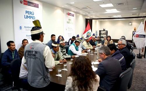 Líderes de 23 comunidades indígenas se reúnen con MINAM