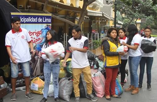 UCV donó cerca de 2 toneladas de ropa a la campaña nacional 'Un abrigo, Una Sonrisa'