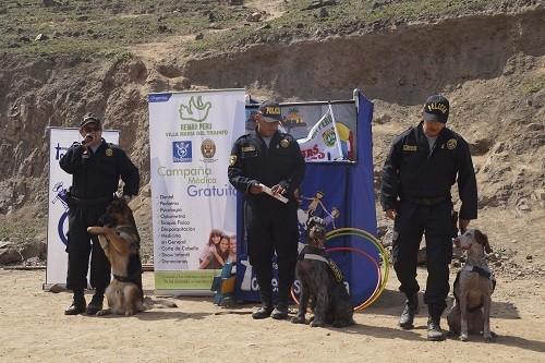 PNP lleva alegría a cientos de niños de escasos recursos en las alturas de los cerros de Villa María del Triunfo
