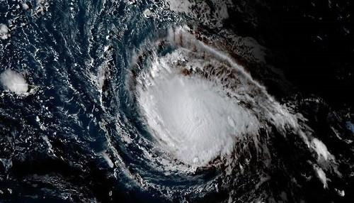 El huracán Irma llega a Puerto Rico, Cuba y Florida