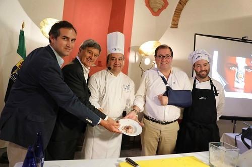 USIL y el Ayuntamiento de Trujillo de España firman acuerdo para la difusión y enseñanza de la gastronomía peruana en Europa