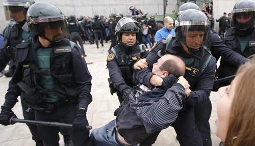 ONU pide a España se investigue la violencia en el referéndum