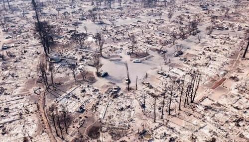 Incendios en California: Al menos 23 personas han perdido la vida y 300 están desaparecidas