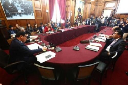 Ética investigará a congresistas Ponce y Ananculí