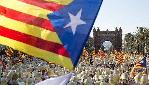 España: La corte constitucional declara nula la ley del referéndum catalán