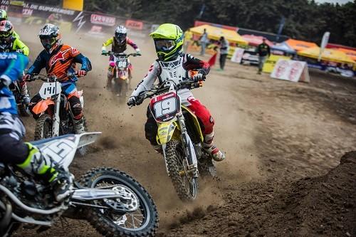 Suzuki se llevó la quinta fecha de Supercross Categoría 85cc