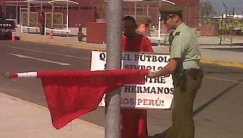 Hincha peruano es detenido en Chile por izar bandera 'blanquirroja'