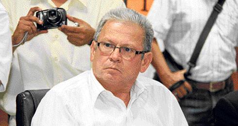 Congresista sufre accidente vehicular en Piura