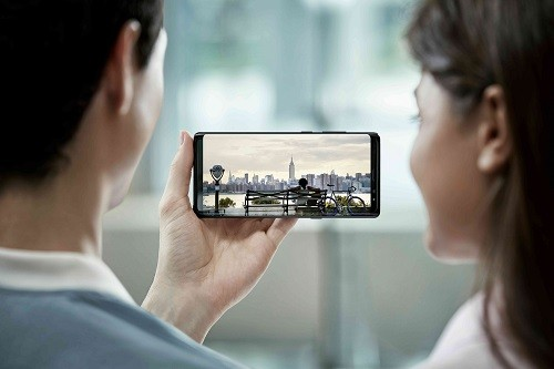 Las pantallas de los Samsung Galaxy reconocidas por los más grandes Youtubers de tecnología del mundo