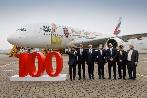 Emirates da la bienvenido a su flota a su A380 número cien