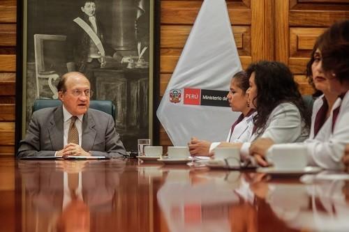 Federación de Obstetras pone fin a huelga tras acuerdo con el Ministerio de Salud
