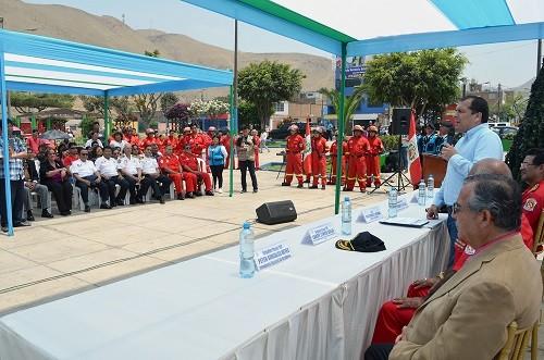 Municipalidad de Ventanilla dona materiales y equipos de protección para bomberos