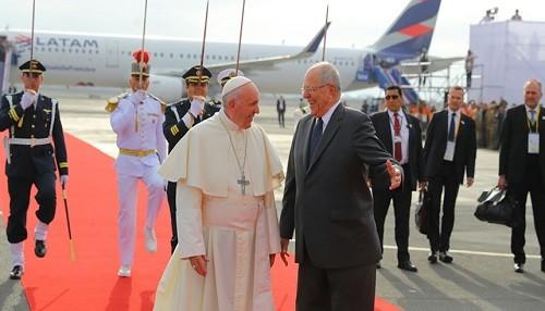 Presidente Kuczynski: Recibimos con alegría al papa Francisco, amigo del Perú y mensajero de la paz