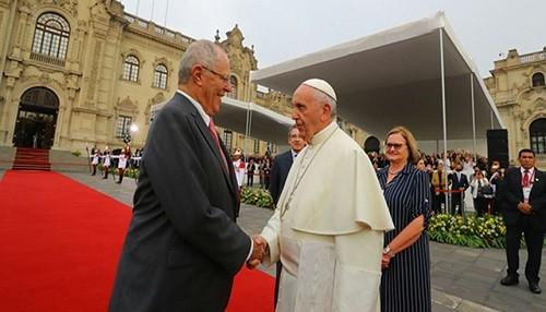 Jefe de Estado pidió al papa Francisco ayudar a renovar la fe del pueblo peruano