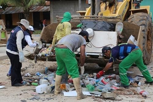 Puerto Maldonado: recogen 64 toneladas de inservibles en campaña contra el dengue