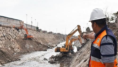 Municipio de SMP continúa enrocado en Río Rímac para proteger ribera