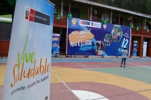 Alumnos del colegio San Vicente de Paul de Cajamarca  inician clases escolares con feria informativa de salud