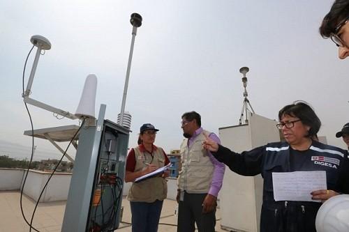 Nivel de contaminación por incendio en Comas tuvo su pico más alto el sábado 14 de abril
