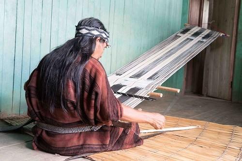 Camisea beneficia a mujeres y madres artesanas del Bajo Urubamba
