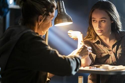 Strand lucha con las decisiones de Madison en el nuevo episodio de 'Fear the Walking Dead'