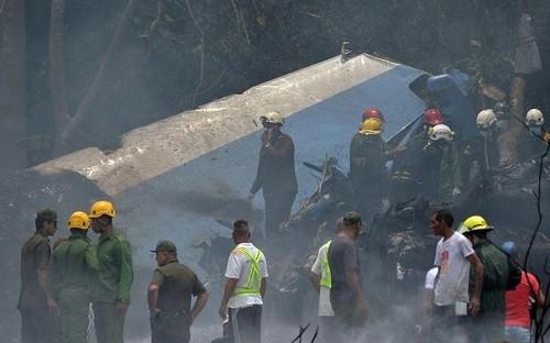 Cuba: Un avión cayó en picada en un campo justo después del despegue del aeropuerto internacional de La Habana