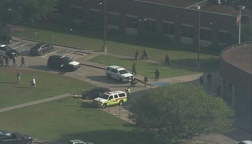 Texas: Tiroteo en una escuela deja 10 muertos