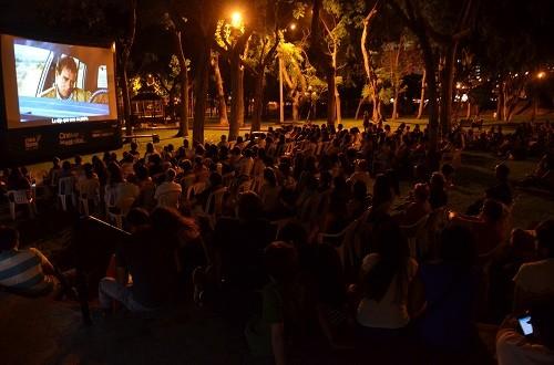 Miraflores proyecta películas de fútbol en parques del distrito