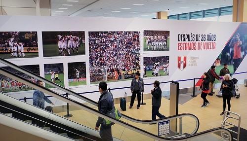 Exhibición fotográfica del Jorge Chávez rinde homenaje a la selección peruana de fútbol