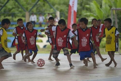 Así viven el Mundial los niños del Bajo Urubamba