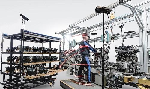 Ford utiliza innovadora tecnología de seguimiento corporal para mejorar el montaje de vehículos en España