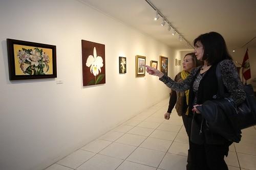Adultos mayores presentan exposición de pintura 'Renacer' en Miraflores