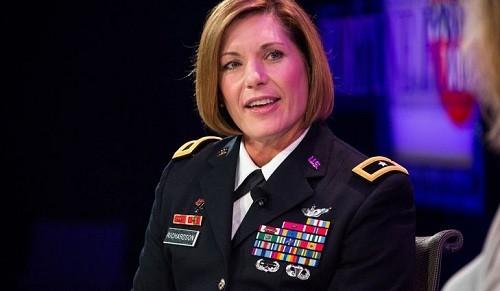 El comando más grande del ejército de EE.UU. obtiene su primera comandante femenina