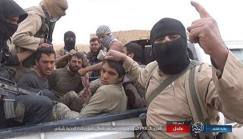 ISIS ha tomado 700 rehenes y amenaza con matar 10 prisioneros por día