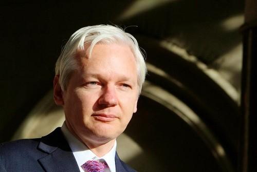 Julian Assange demanda a Ecuador por nuevos términos de asilo