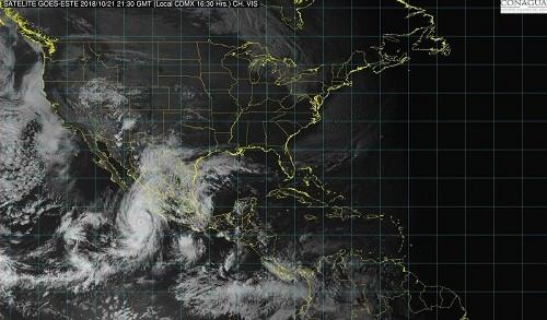 El huracán Willa se convierte en tormenta de categoría 5 en la costa del Pacífico de México