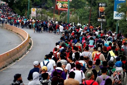 Donald Trump asegura que la caravana de migrantes de unas 10.000 personas no pasará la frontera de Estados Unidos