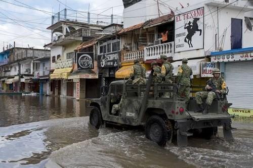 Huracán Willa arrojó fuertes lluvias en México, en su camino hacia los Estados Unidos
