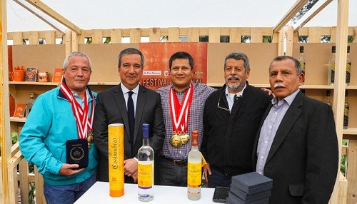Más de 100 productores participaron del XXIV Concurso Nacional del Pisco