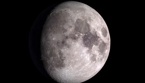 Rusia planea la creación de una base lunar tripulada por robots