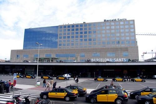 Evacúan la estación de trenes de Barcelona, tras una amenaza de bomba
