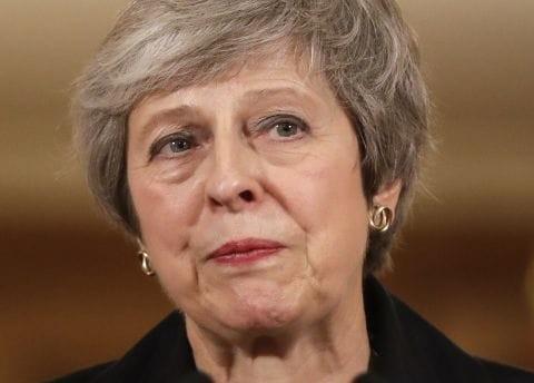 Reino Unido: el apoyo al pedido de destitución contra Theresa May crece en el seno del partido Conservador