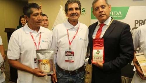 Presentan 16 marcas de chocolate y café del VRAEM registradas ante el Indecopi