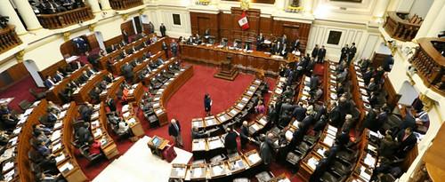 Congreso aprueba ley que tipifica el delito de financiamiento ilícito de partidos y reduce las penas a diez años de prisión como máximo