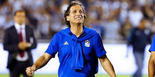 Mario Salas no seguirá en el banquillo del Sporting Cristal