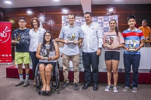Mejores Badmintonistas del año fueron reconocidos en Estadio Nacional