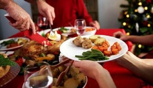 Inadecuada conservación de cenas navideñas y de Año Nuevo puede originar intoxicaciones