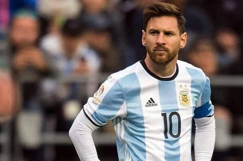 Regreso de Lionel Messi a la selección Argentina depende del entrenador, dice el jefe de la AFA