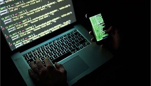 Estudiante alemán admite el hackeo de datos que golpeó a Angela Merkel