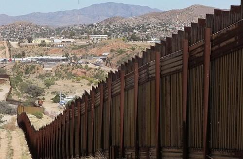 El muro fronterizo entre México y Estados Unidos de Donald Trump podría tardar 10 años en construirse